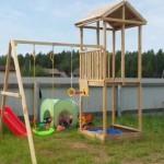 Детская площадка на даче своими